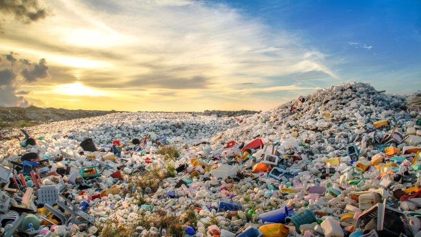 Сколько лет перерабатывается пластик в природе