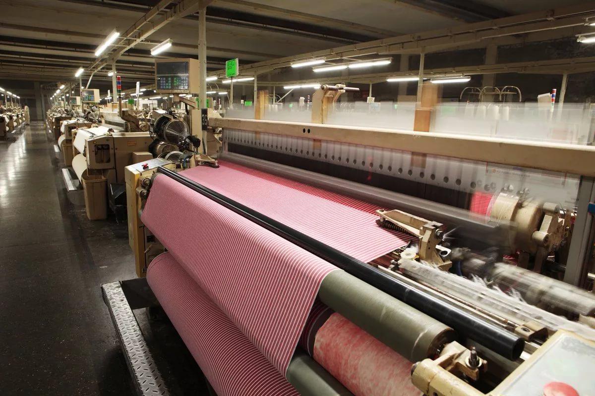 Процесс вторичной переработки текстиля