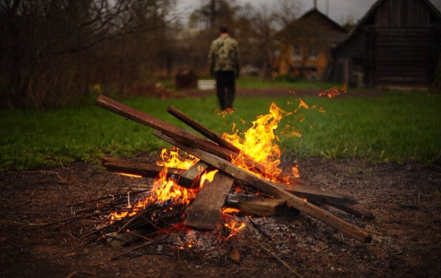 сжигание мусора на своем участке