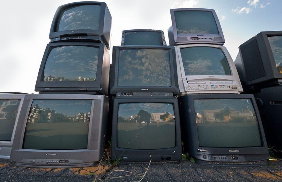 Свалка телевизоров
