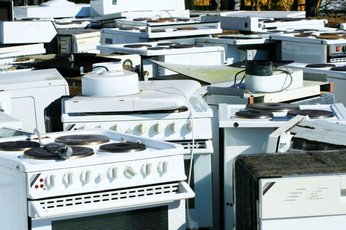 Вывоз старой газовой или электрической плиты для утилизации