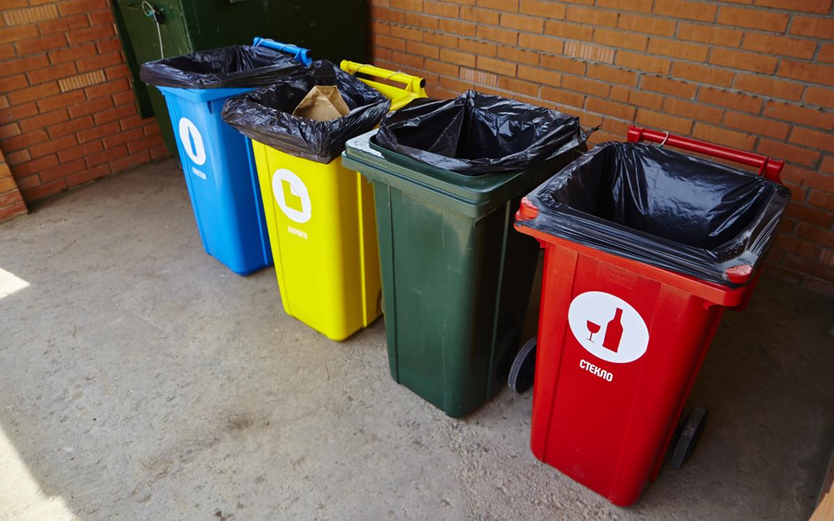 Мусорные баки для раздельного сбора отходов в офисах и домах