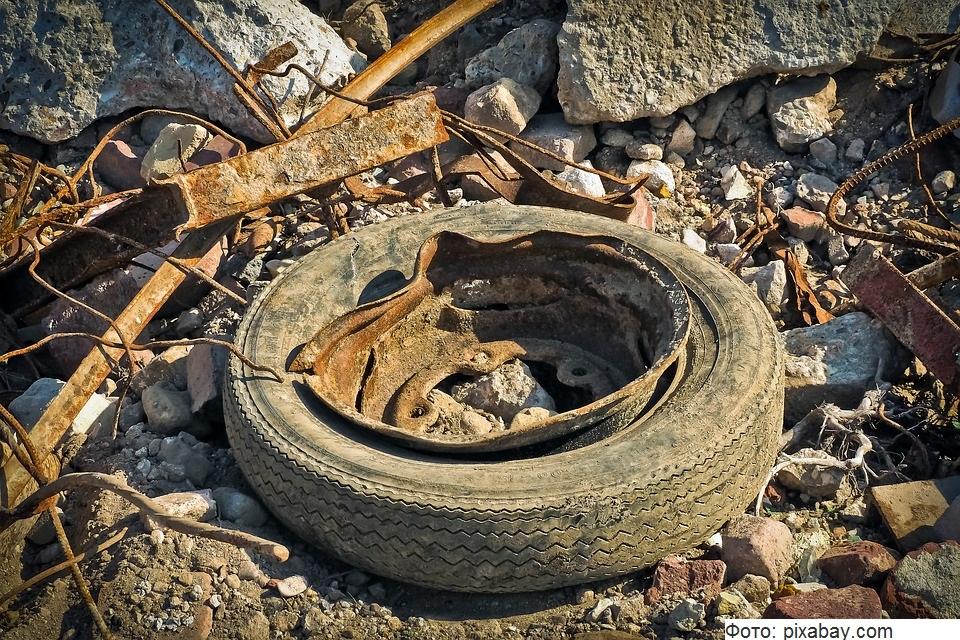 В Сочи обнаружили и закрыли несанкционированную свалку