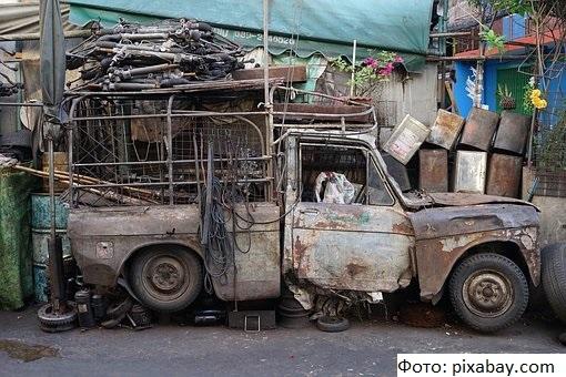 Владельцы брошенных во дворах машин заплатят штраф