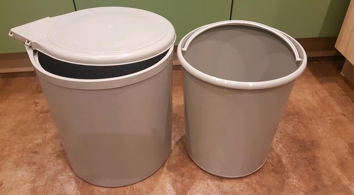 Ведра пластиковые для кухонного мусора
