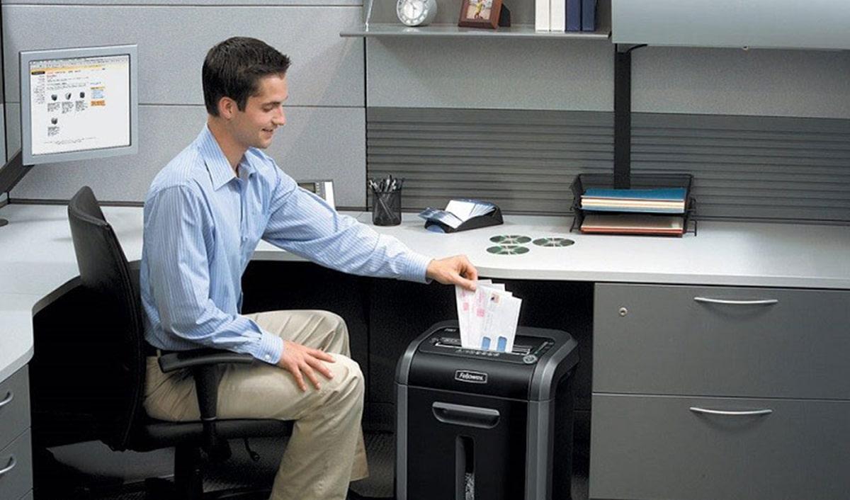Измельчитель бумаги для офиса