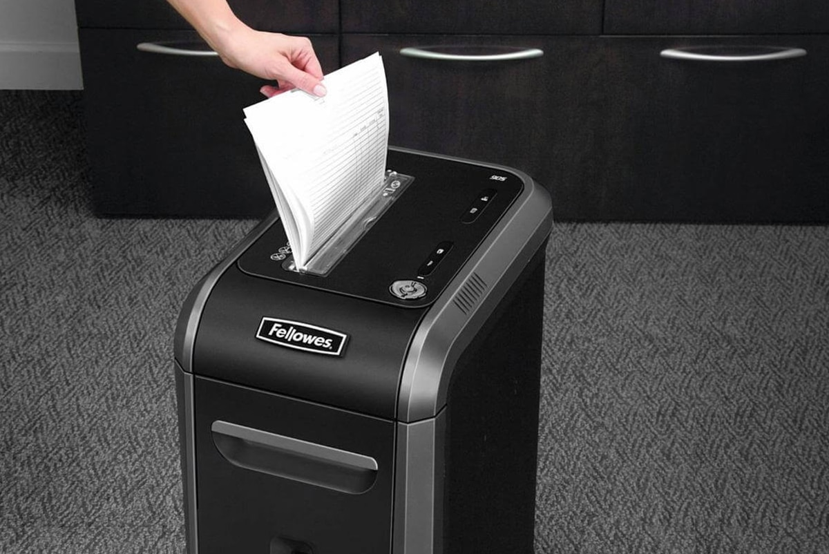 Прибор для измельчения бумаги в офисе — название, принцип работы