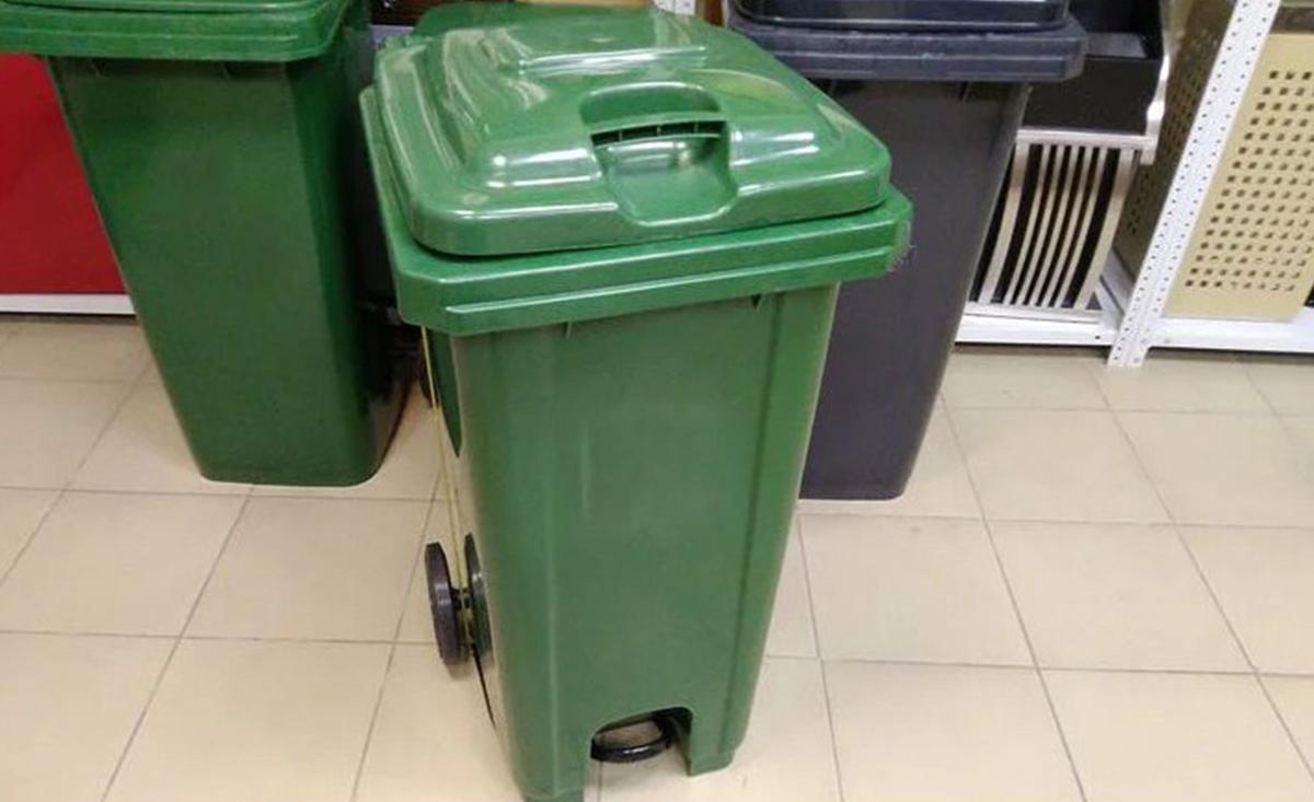 Пластиковый мусорный контейнер 120 литров на колесах