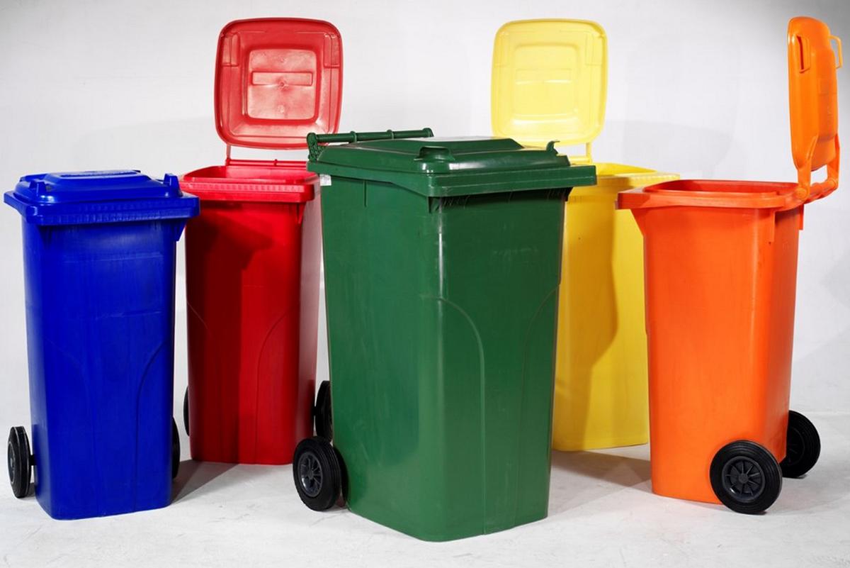 Баки пластиковые для мусора