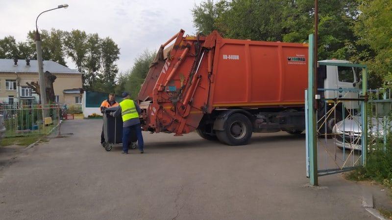 Девять региональных операторов по вывозу отходов находятся на грани банкротства