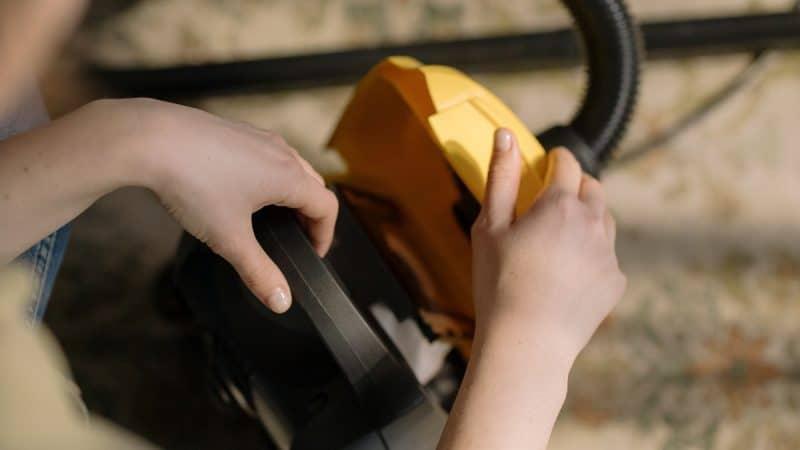 Как чистить бумажные фильтры от пылесосов — можно ли мыть