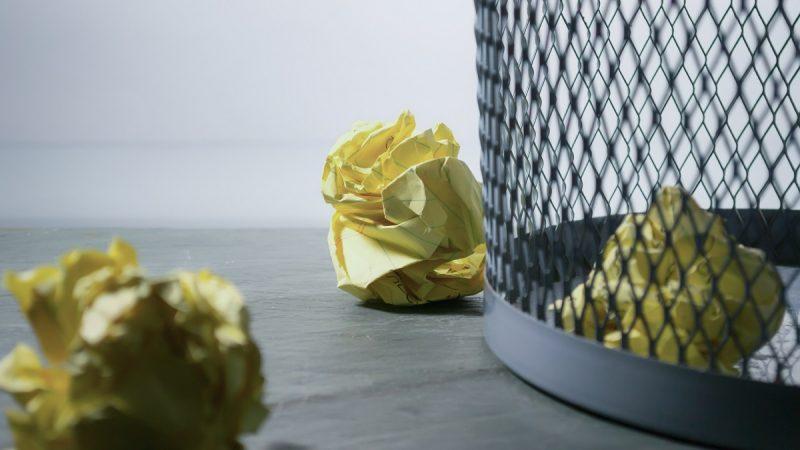 Обзор мусорных ведер для кухни на направляющих