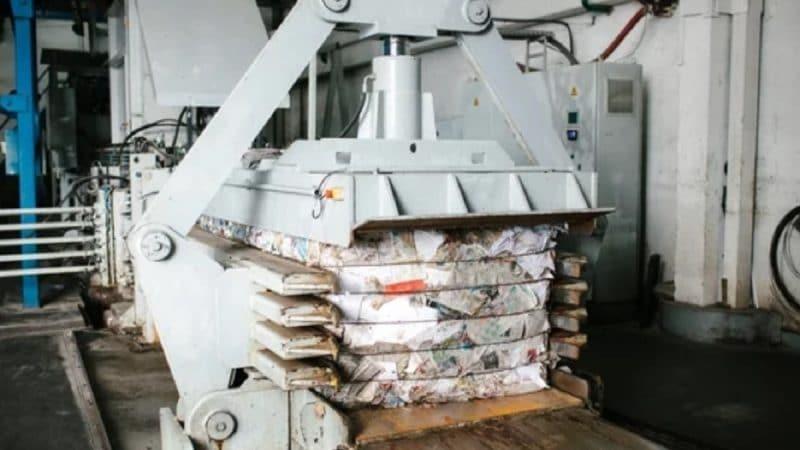 Пресс для бумажных отходов