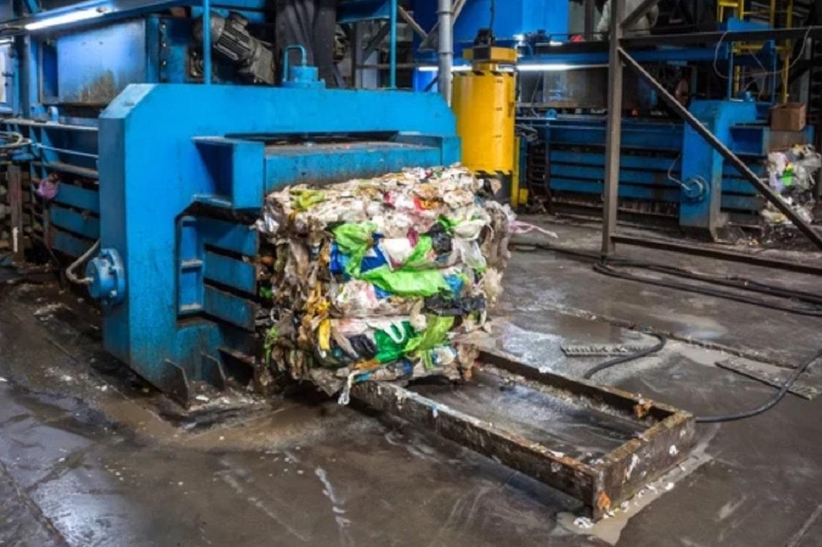 Промышленный пресс для мусора